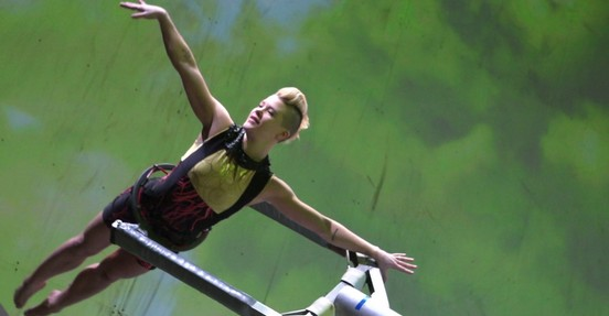 """Born to Fly"": Elizabeth Streb vs. Gravity"