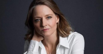jodie-foster-is-the-nurse-in-hotel-artemis-696x405